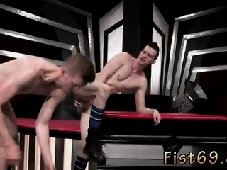 Fisting gay training Axel..