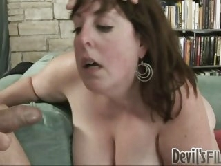 Banging MILF gets the load..