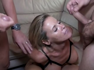 Sexy MILF 46y First Theesome..